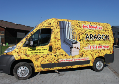 Aaragon Bauelemente Kundendienst-Fahrzeug